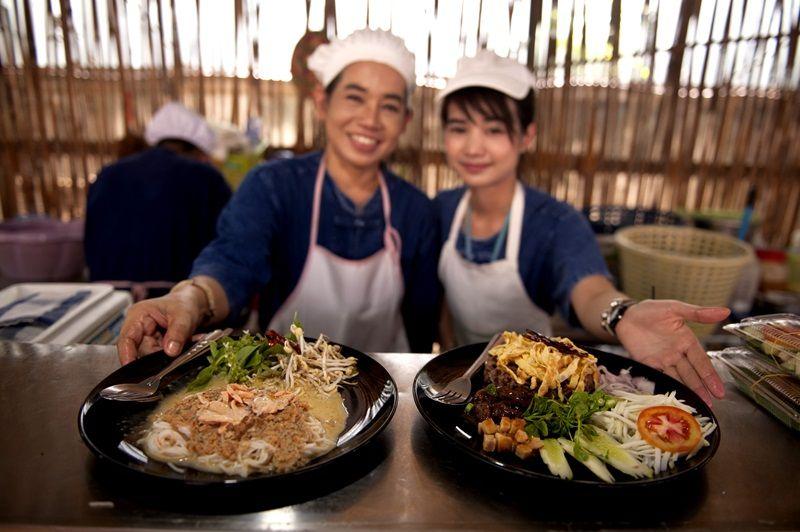 ตลาดสุขใจ-ออร์แกนิคไทยๆ เกษตรกรอิ่มใจ คนไทยสุขภาพดี