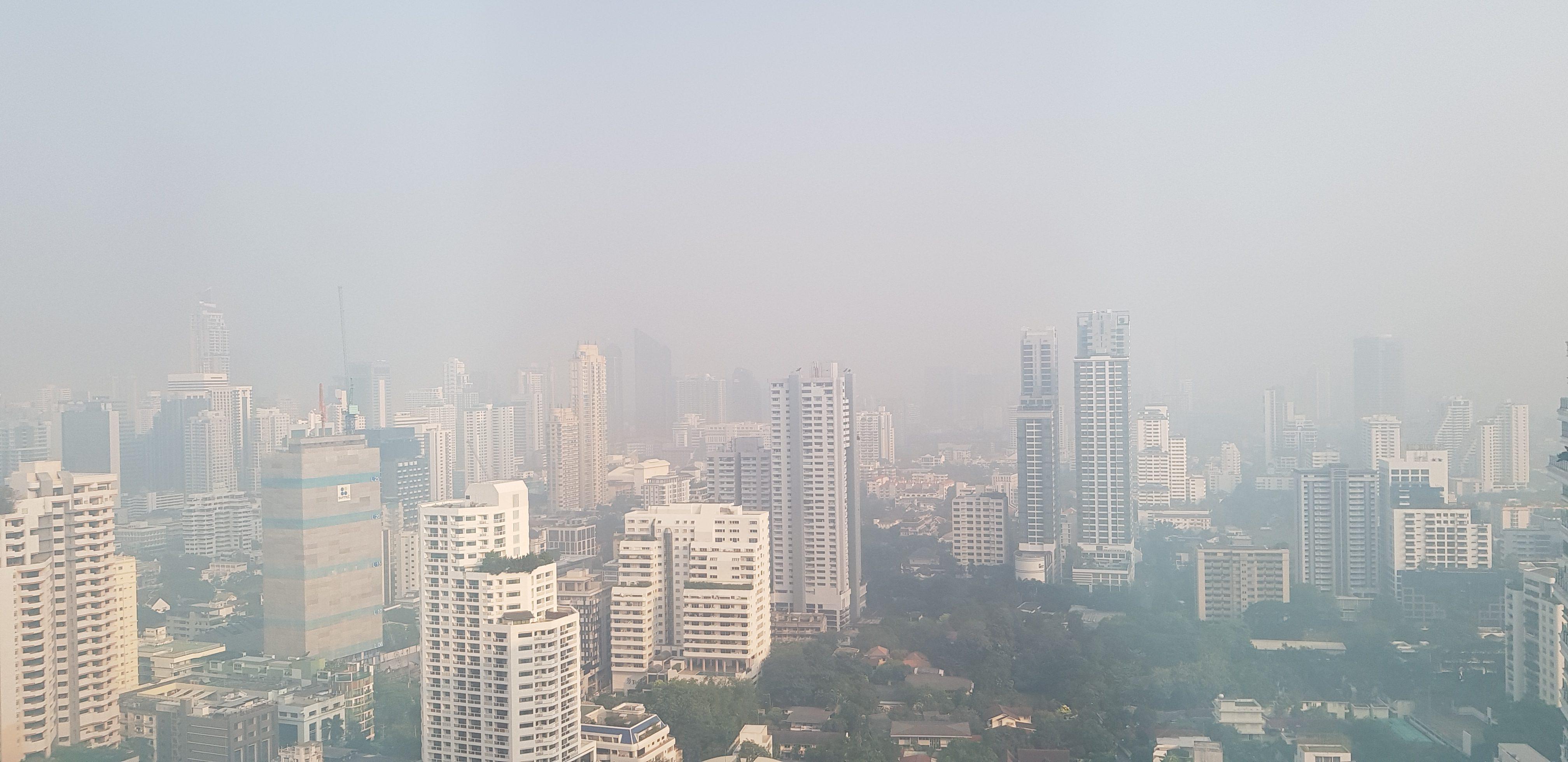 การแก้ไขปัญหา PM 2.5 อย่างยั่งยืน : เมื่อการสร้างความตระหนักไม่เพียงพอ